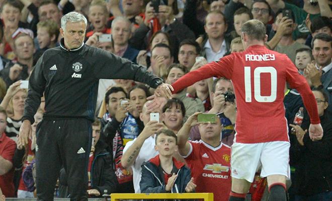 Man United thua 3 trận liên tiếp: Vì Rooney nát tan tuyến giữa