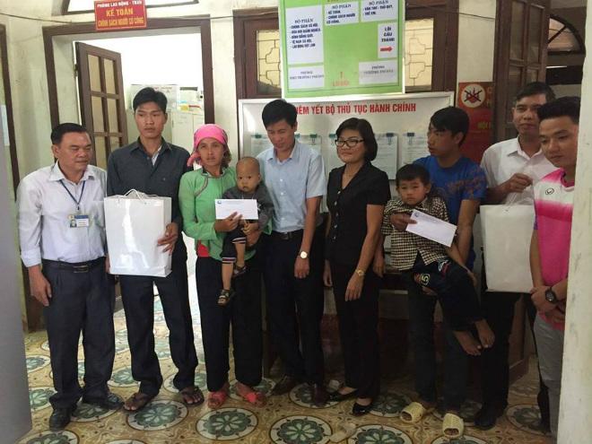 Cựu danh thủ Đặng Phương Nam cùng FC Du Lịch trao quỹ từ thiện gần 20 triệu đồng