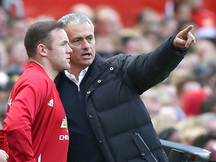Chỉ Mourinho cứu được Rooney