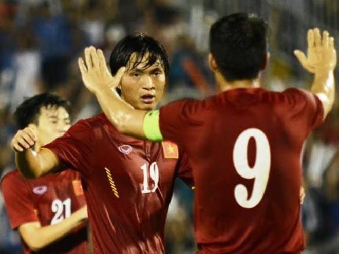 Tuấn Anh, Công Phượng chờ 'derby Việt Nam' trên đất Nhật