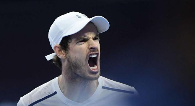 Andy Murray nổi giận vì bị chụp trộm 'ghi chép chiến thuật' tại Trung Quốc