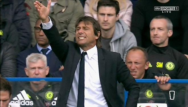 Diego Costa nổi giận đòi xin ra, Conte mặc kệ, bắt phải đá hết trận