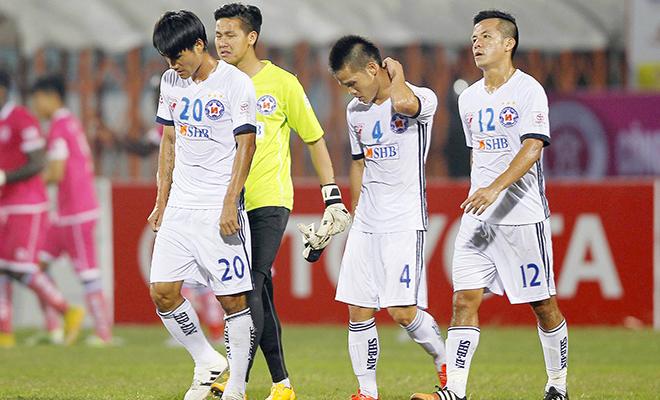 SHB Đà Nẵng thua ở Lào vì… mặt sân xấu