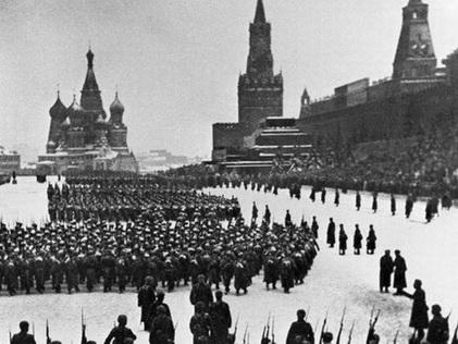 VIDEO: Xem lại cuộc diễu binh lịch sử trên Quảng trường Đỏ 75 năm trước