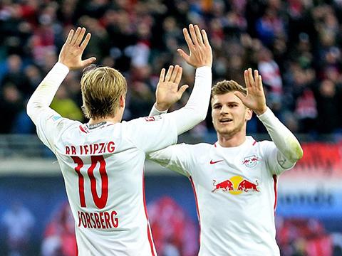 'Leicester của Đức' sánh ngang Bayern: Còn hơn cả chuyện cổ tích...