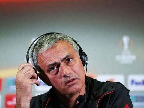 Mourinho có thể 'tự diệt' mình vì xử lý vấn đề ở Man United kiểu... mafia?