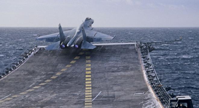 Tàu sân bay Nga đã đến Syria, dàn phi cơ giương oai bên bờ biển