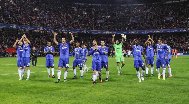 Juventus vào vòng 1/8 Champions League: Một chiếc vé & hai vấn đề đáng ngại
