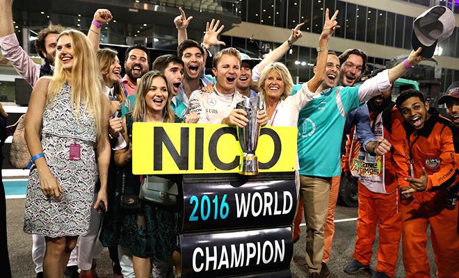 Nico Rosberg không còn phải núp bóng Hamilton