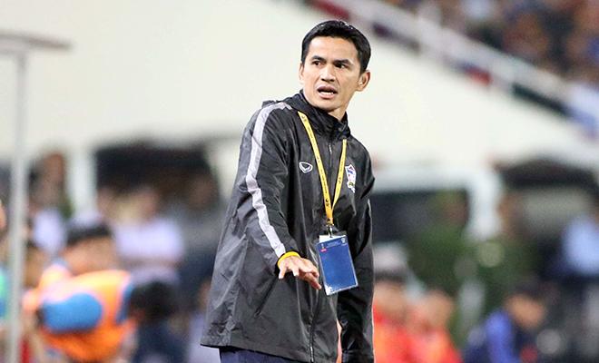 Kiatisuk Senamuang: Một thập kỷ phát triển của bóng đá Thái