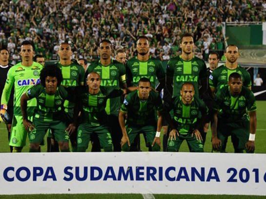 CẬP NHẬT: Rơi máy bay chở cầu thủ Brazil, xác nhận 25 người đã thiệt mạng