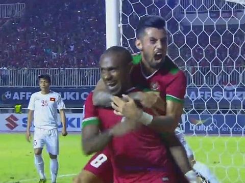 Điểm nhấn Indonesia 2-1 Việt Nam: Mặt sân xấu, phòng ngự sai lầm, Việt Nam thua đáng tiếc