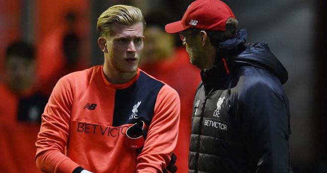 Juergen Klopp 'chửi khéo' anh em nhà Neville khi bảo vệ thủ môn của Liverpool