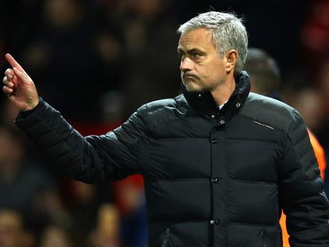 Mourinho & sự phản tác dụng của 'chủ nghĩa quân phiệt'