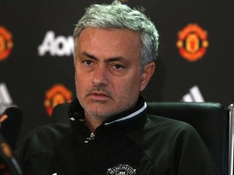 Pogba sẽ hay hơn nhiều nếu Mourinho giải quyết được một vấn đề