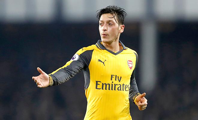 Arsenal: Chỉ trích Oezil lười phòng ngự là cực đoan