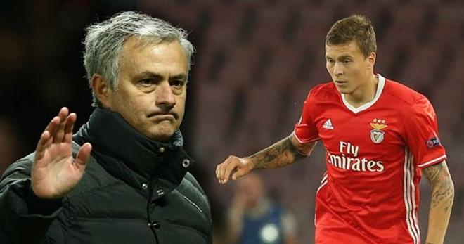 Vì sao Mourinho đột ngột thay đổi kế hoạch mua sắm của Man United?