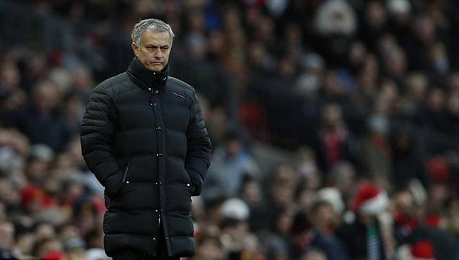 Phil Jones hoàn toàn chinh phục Mourinho và sắp lập kỷ lục đặc biệt