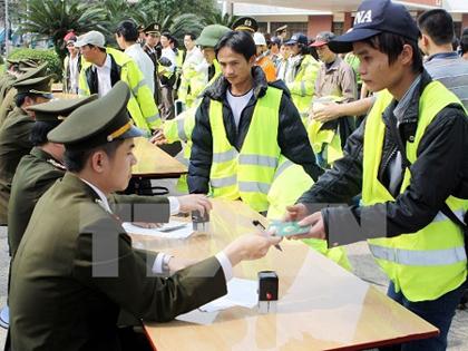 Công nhân Việt Nam tại Malaysia không còn phải đóng thuế thu nhập
