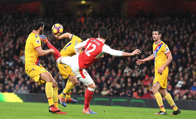 Arsenal mà không bắt kịp Chelsea, bàn của Giroud chỉ là thứ diệu kỳ phi lý mà thôi