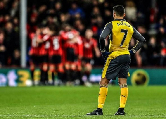 Đồng đội lo sợ Alexis Sanchez rời Arsenal sau thảm họa Bournemouth