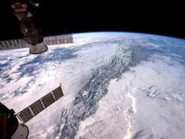 CHOÁNG NGỢP: Trái đất đẹp mê hồn nhìn từ trạm vũ trụ quốc tế ISS