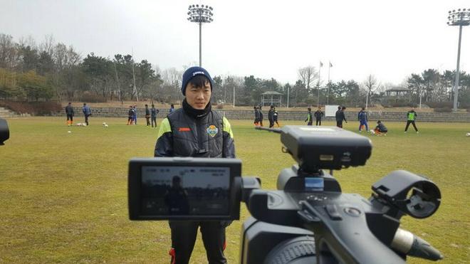 Xuân Trường lập cú đúp kiến tạo, HLV Choi Yun Gyum mừng ra mặt