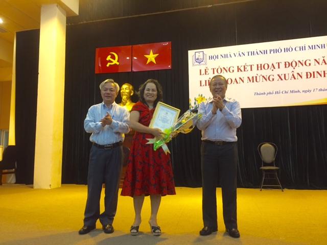 Hội Nhà văn TP.HCM: Trầm Hương đoạt giải và trang web của hội sẽ trở lại
