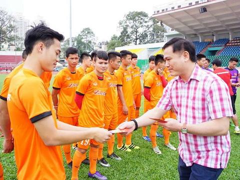 Bầu Futsal mừng tuổi U23 Việt Nam, HAGL mất Tuấn Anh thêm 4 tuần
