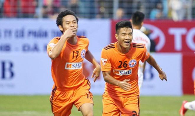 Lập hat-trick, Đức Chinh 'đe dọa' Công Phượng ở U23 Việt Nam