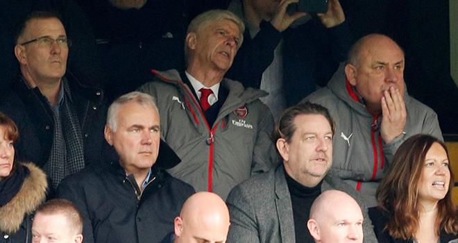 Lặp đi lặp lại đến nhàm chán, đã đến lúc Arsenal phải thay Wenger