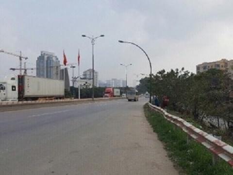 Bắt khẩn cấp 5 đối tượng cưỡng đoạt tài sản ở khu vực cầu Thăng Long