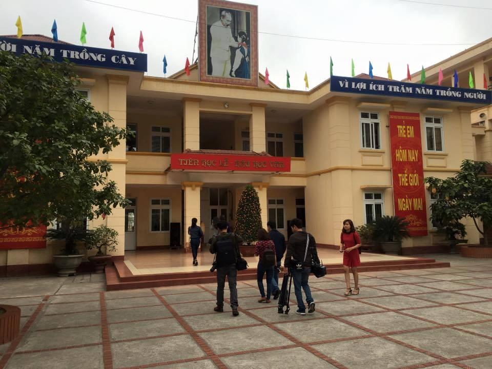 Công Bố Quyết Định Cách Chức Hiệu Trưởng Trường Tiểu Học Nam Trung Yên    Ttvh Online
