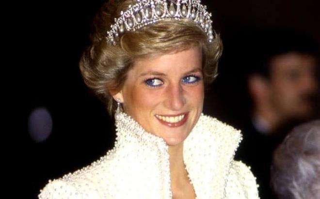 Phong cách thời trang đẳng cấp của Công nương Diana