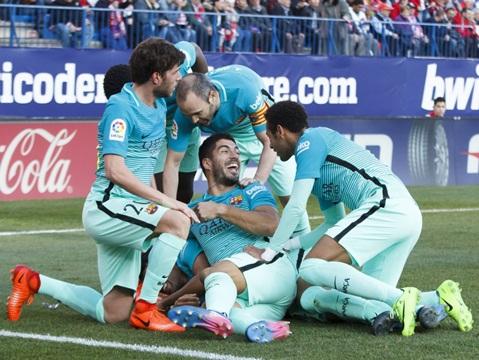 ĐIỂM NHẤN Atletico 1-2 Barca: Messi siêu hạng & Bản lĩnh nhà vô địch