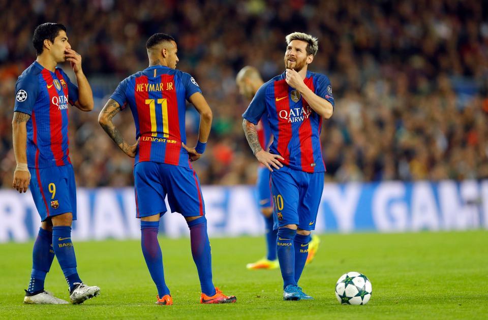 Messi bị cáo buộc yêu cầu HLV Enrique dùng ai đá chính, ai dự bị