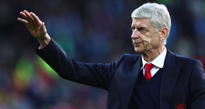 Từ chối lời mờ từ Trung Quốc, ông Wenger vẫn lấp lửng về tương lai