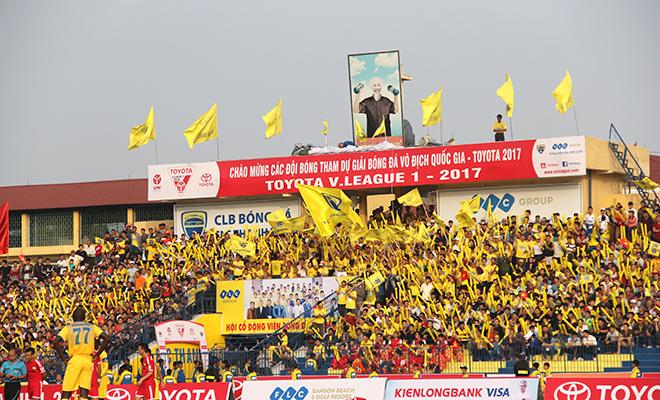 Hội CĐV FLC Thanh Hóa mong đội nhà chớp cơ hội vàng