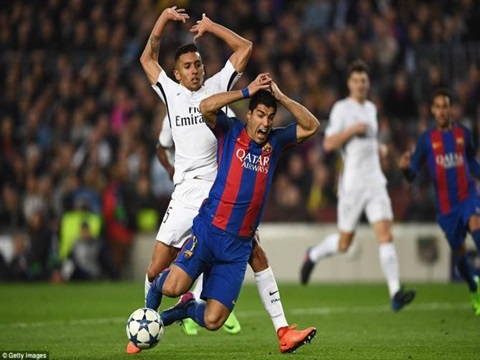Cựu trọng tài FIFA Đinh Văn Dũng: 'Không thể so sánh quả 11m của Barcelona với tình huống vỡ trận Long An tại sân Thống Nhất'