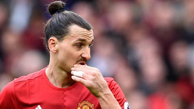 Ibrahimovic thất vọng với đồng đội: 'Tôi là con sư tử duy nhất ở Man United'