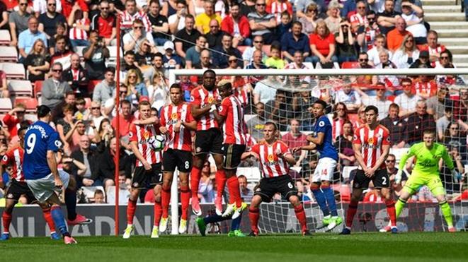 Sunderland 0-3 Man United: Ibrahimovic tỏa sáng, Quỷ đỏ nhen nhóm hy vọng vào top 4