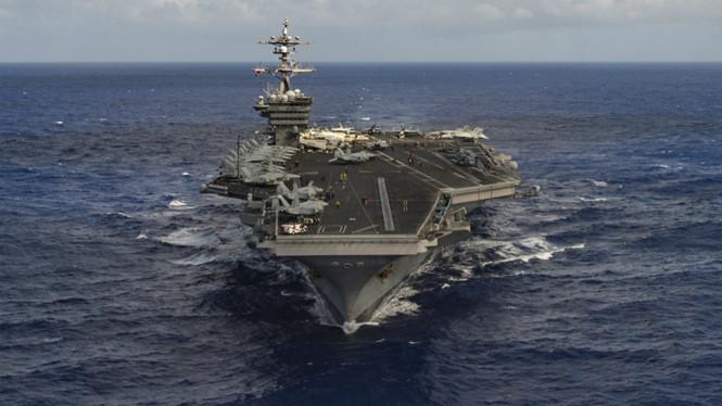 Tàu sân bay Mỹ 'áp sát' Triều Tiên, chiến tranh sắp nổ ra?