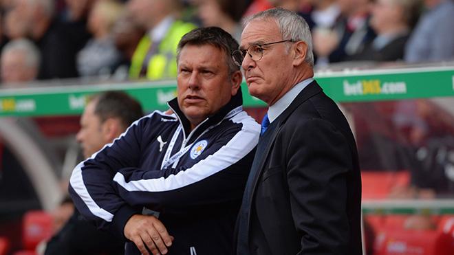 Claudio Ranieri: 'Có kẻ nào đó ở Leicester đã đâm lén tôi'