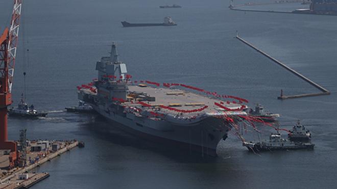Hình ảnh hạ thủy hàng không mẫu hạm đầu tiên do Trung Quốc sản xuất