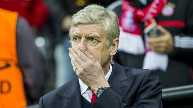Wenger nổi cáu: 'Mục tiêu của Arsenal là vô địch chứ không phải xếp trên Spurs!'