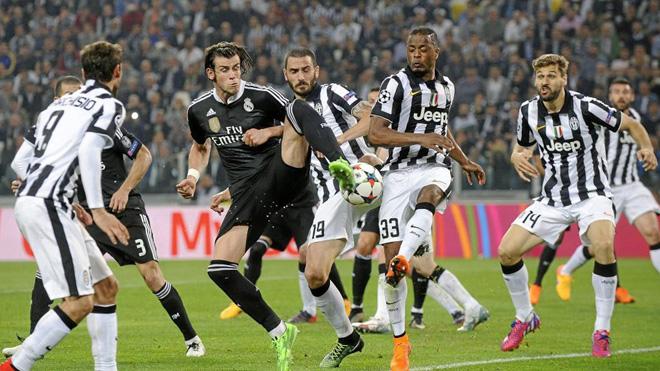 Vì sao Real Madrid không được mặc áo trắng ở chung kết Champions League?