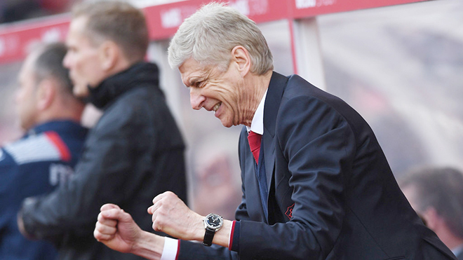 Arsenal tiến thoái lưỡng nan trong cuộc đua Top 4 Premier League