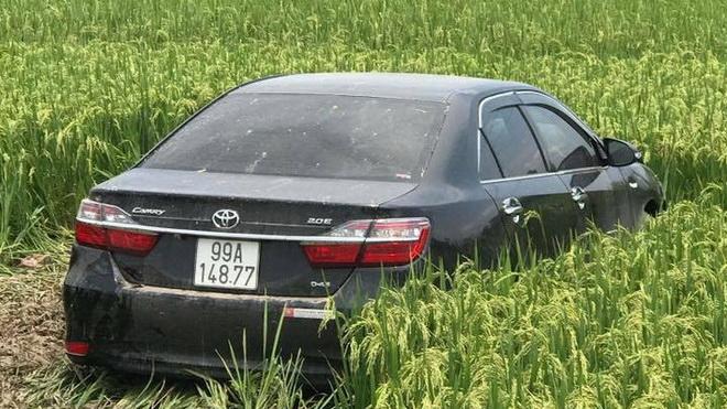 Cán bộ hợp đồng bệnh viện lái ô tô 4 chỗ đâm 3 người tử vong