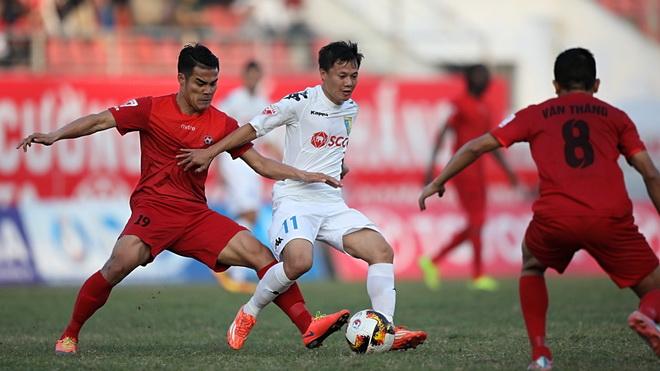 TRỰC TIẾP, Hà Nội 2-0 Hải Phòng: Văn Quyết nâng tỷ số trên chấm phạt đền (Hiệp 1)