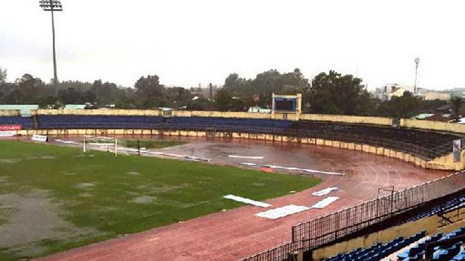 Hoãn trận Quảng Nam - Than Quảng Ninh đến ngày 10/11 vì bão Damrey